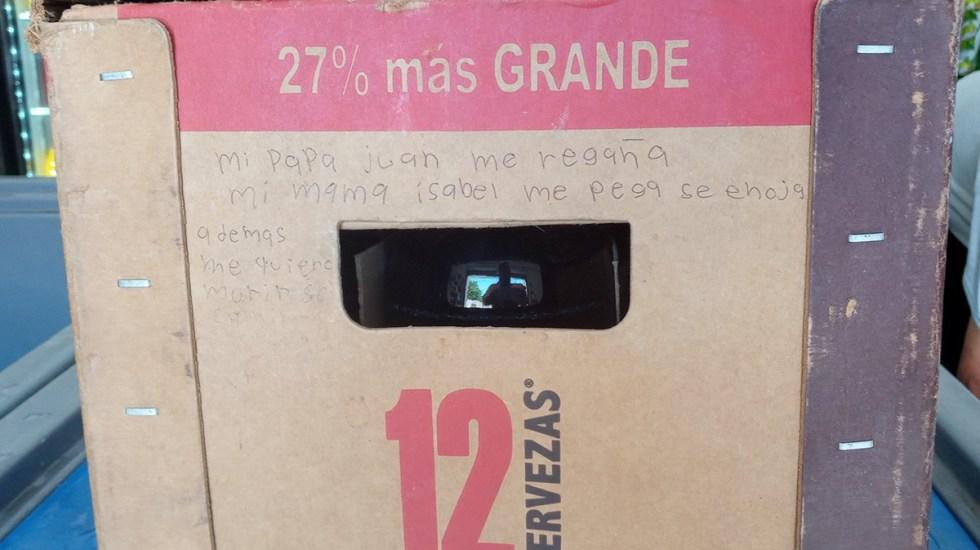 """Niña pide ayuda por violencia familiar con mensaje en cartón de cervezas; """"me quiero morir"""", afirma - Mensaje de auxilio de niña por violencia familiar en Coahuila. Foto de Astrid Martínez / Facebook"""