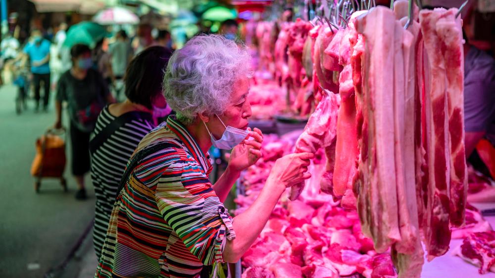 Consumo de animales salvajes desciende casi un 30 % por la pandemia - mercado China animales