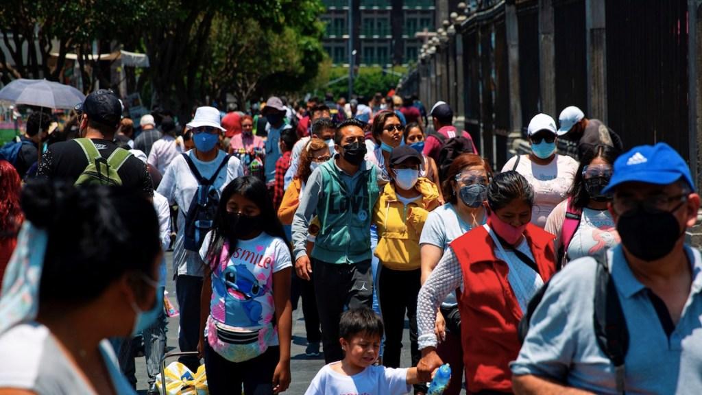 México registró en las últimas 24 horas 395 muertes y 3 mil 64 casos de COVID-19 - Casos de COVID-19 en México. Foto de EFE
