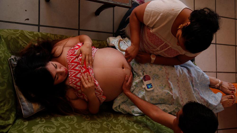 Pandemia provocó aumento de partos domiciliarios en América Latina - partos parto