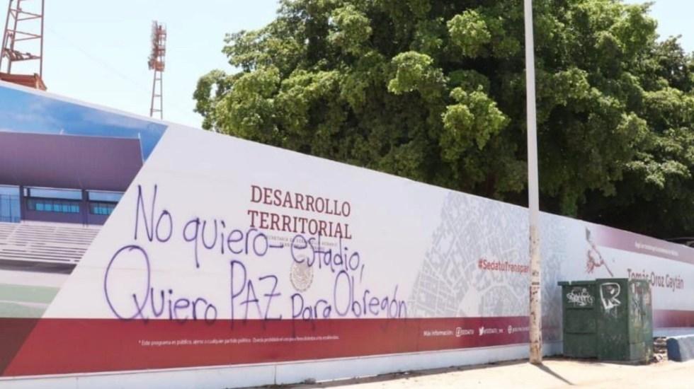 """""""No quiero estadio, quiero paz para Obregón"""": realizan pintas en escuelas de beisbol de Cajeme -"""
