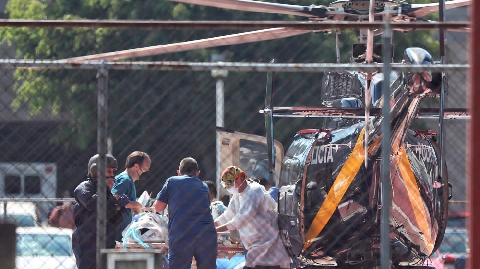 Estados Unidos envía pésame a familias de víctimas de colapso en Metro - Traslado aéreo de persona herida por colapso en Línea 12 del Metro. Foto de EFE