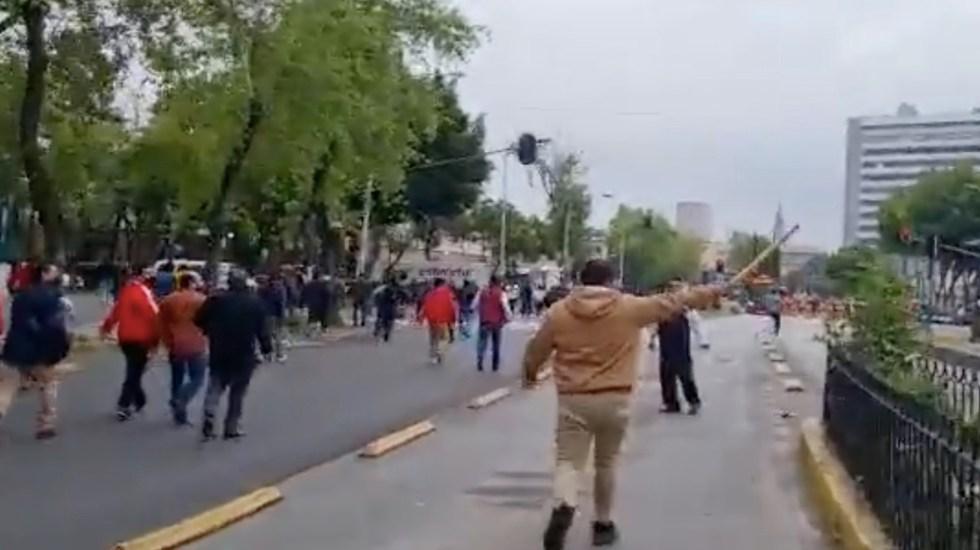 Militantes del PRI bloquean acceso a sede nacional; exigen la renuncia de Alejandro Moreno - Militantes del PRI bloquean acceso a la sede nacional; exigen la renuncia de Alejandro Moreno. Foto tomada de video
