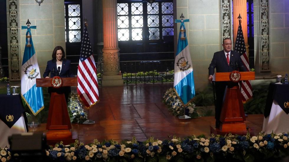 Claves de la visita de Kamala Harris a Guatemala - Conferencia conjunta entre Kamala Harris y Alejandro Giammattei. Foto de EFE