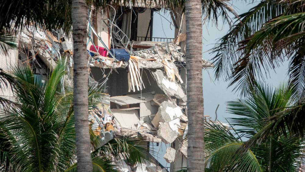 derrumbe edificio Miami Surfside Florida