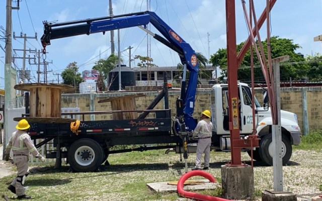 Restablecen suministro eléctrico en Playa del Carmen, Quintana Roo - Energía eléctrica CFE playa del Carmen