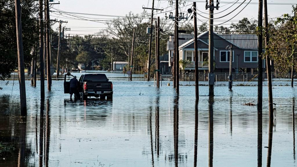 'Claudette' amenaza con fortalecerse e inundar nuevas zonas de EE.UU. - Inundaciones en EE.UU. por la tormenta 'Claudette'. Foto de EFE