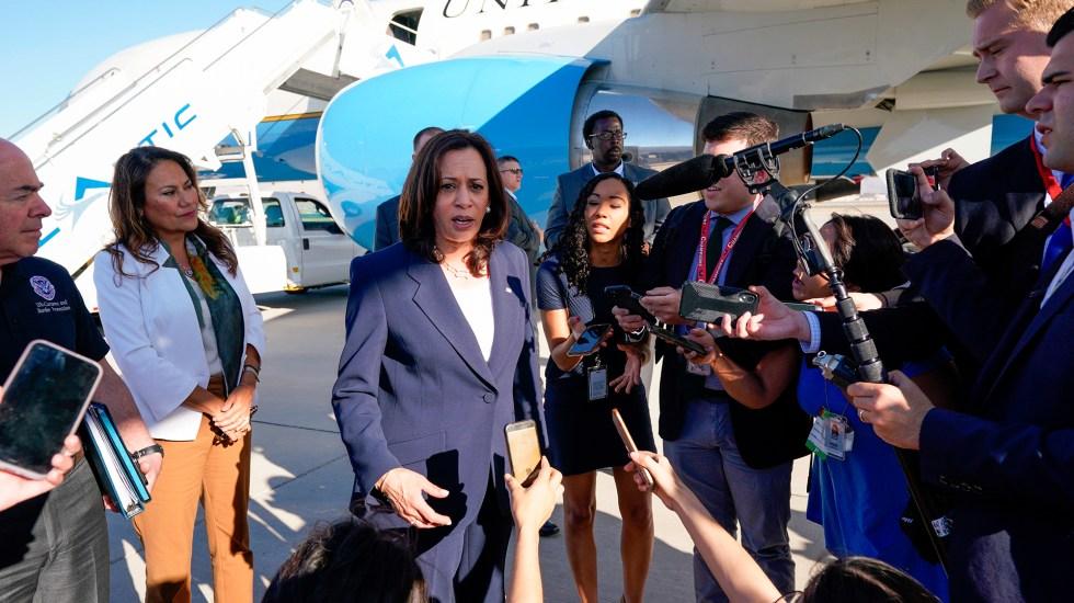 Kamala Harris visita la frontera de Estados Unidos con México - Kamala Harris a su llegada a la frontera de Estados Unidos con México. Foto de EFE