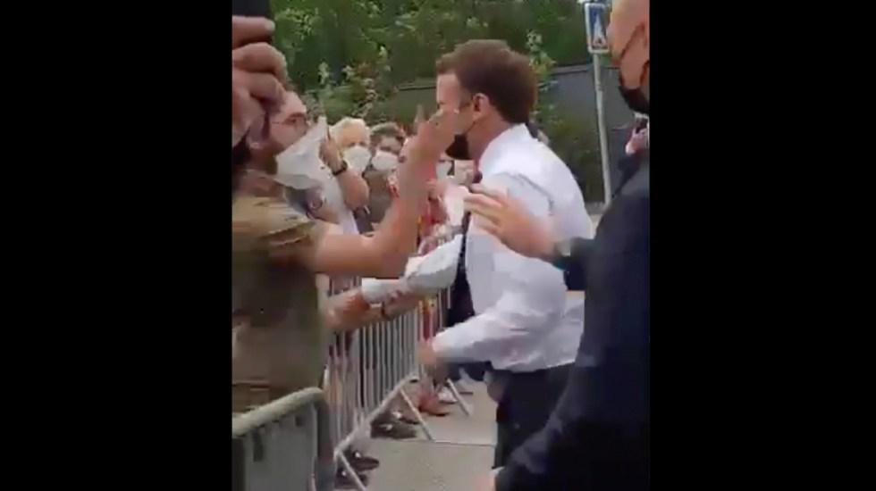 #Video Emmanuel Macron es abofeteado durante un viaje oficial - Macron bofetada Francia