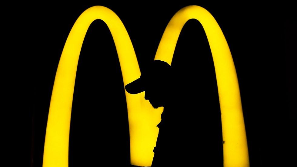 McDonald's sufre ciberataque; hackers robaron información de empleados y franquicias - McDonald's. Foto de EFE / Archivo