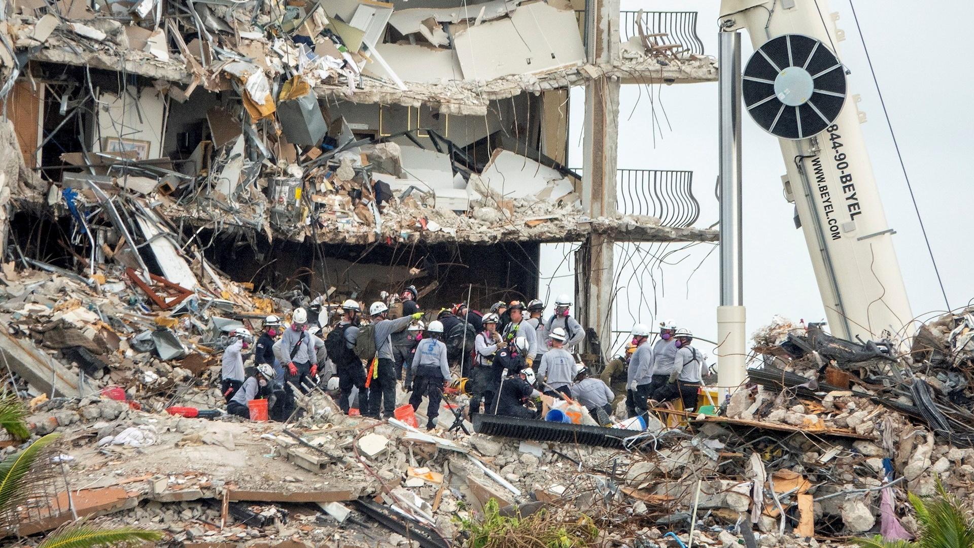Miami edificio derrumbe cuerpos rescate