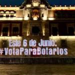 #VotaParaBotarlos Proyectan mensaje en Palacio Nacional de cara a elecciones