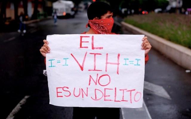 Polémica por detención de hombre que escondió a su pareja que tenía VIH - Polémica por detención de hombre que escondió a su pareja tener VIH. Foto de EFE