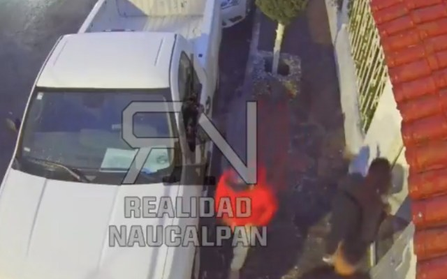 #Video Disparan contra familia en intento de robo en Naucalpan - #Video Disparan contra familia en intento de robo en Naucalpan. Foto tomada de video