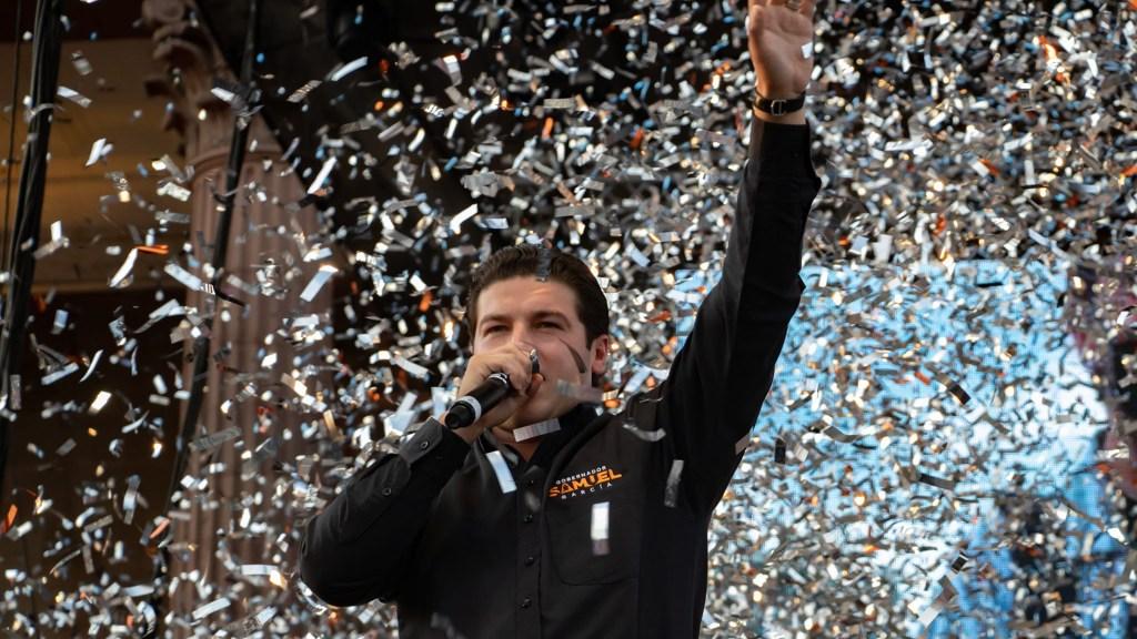 Samuel García podría no asumir gubernatura de Nuevo León, advierte el periodista Ramón Alberto Garza - Samuel García en celebración de su victoria en las elecciones del 6 de junio. Foto de @SAMUELGARCIASEPULVEDA