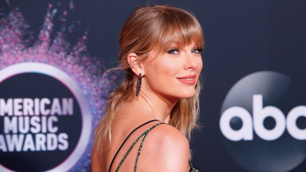 Taylor Swift relanzará su disco 'Red'con una lista de 30 canciones - Taylor Swift relanzará su disco 'Red'con una lista de 30 canciones. Foto de EFE