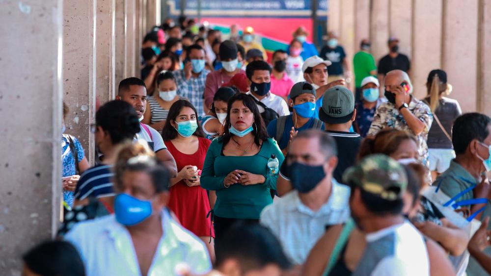Tercera ola de COVID-19 afecta jóvenes y no vacunados: López-Gatell - Acapulco Guerrero México COVID coronavirus