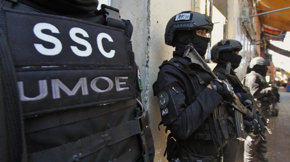 Falta mucho por hacer, pero la policía trabaja y se ocupa en la seguridad: García Harfuch - Agentes de la SSC capitalina. Foto de @OHarfuch