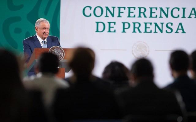 """""""Son tiempos de zopilotes"""", dice AMLO a tuits sobre enfrentamiento en Dos Bocas; Conferencia (14-10-2021) - AMLO conferencia Lopez Obrador"""