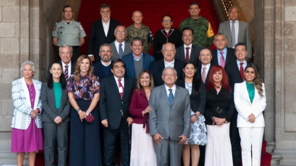 AMLO se reunió con gobernadores en funciones y electos de Morena; abordan estrategia de seguridad - AMLO gobernadores funciones electos Morena