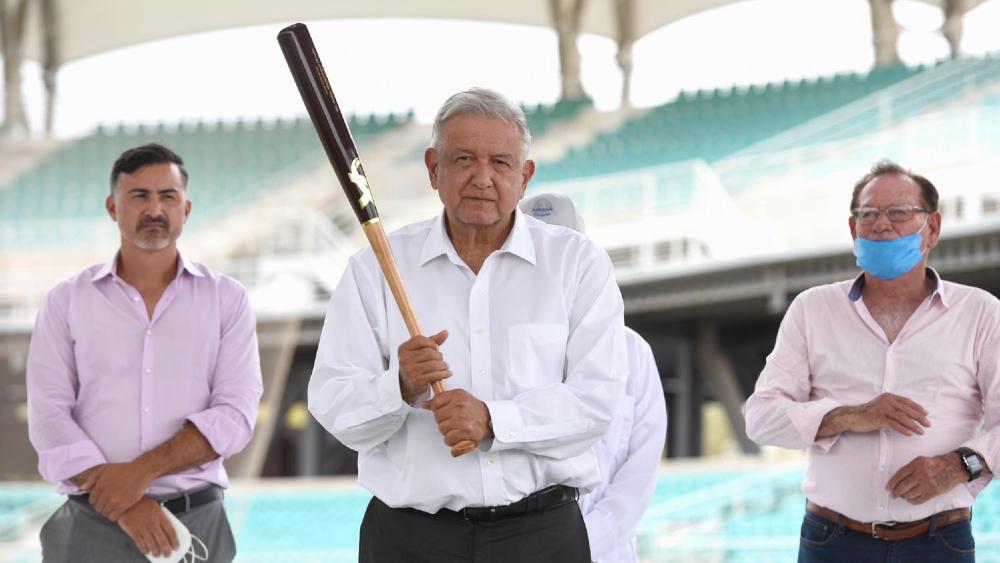 Se está gobernando con hechos, sobran las palabras: López Obrador - AMLO López Obrador bat Sonora