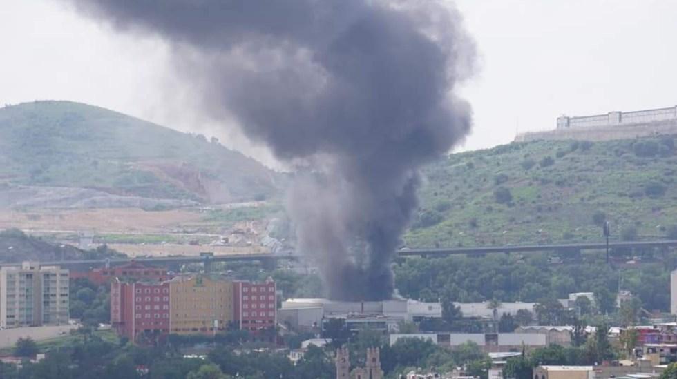 Incendio consume fábrica de muebles en Tlalnepantla - Barrientos Tlalnepantla fábrica de Muebles