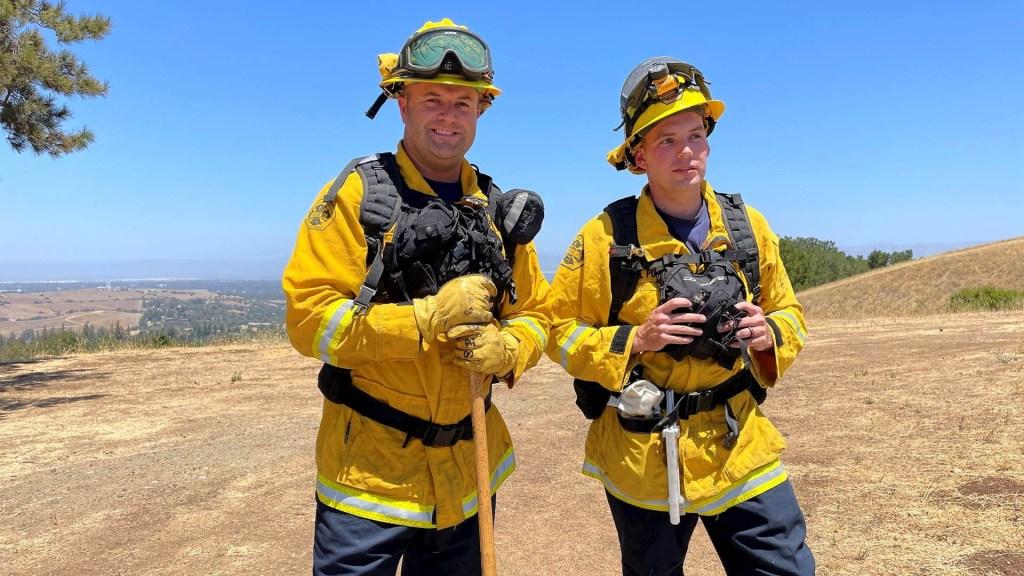 Bomberos contienen más del 50 % del mayor incendio activo en EE.UU. - Bootleg incendio bomberos esTADOS unidos