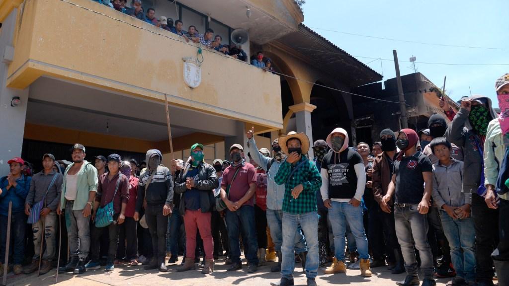 Pobladores toman Palacio Municipal de Pantelhó, Chiapas - Pobladores toman Palacio Municipal de Pantelhó, Chiapas. Foto de EFE