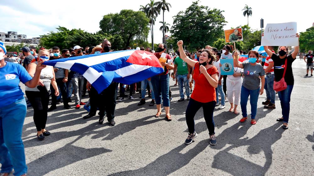 Unión Europea da su apoyo a manifestantes cubanos y pide liberar detenidos - Cuba manifestantes cubanos La Habana Unión Europea