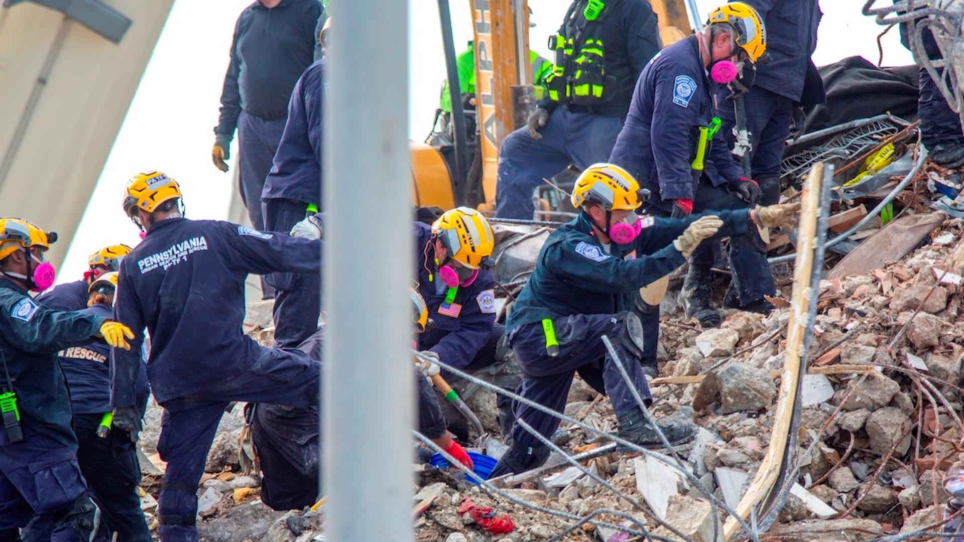 Sube a 96 el número de muertos en el derrumbe de Miami
