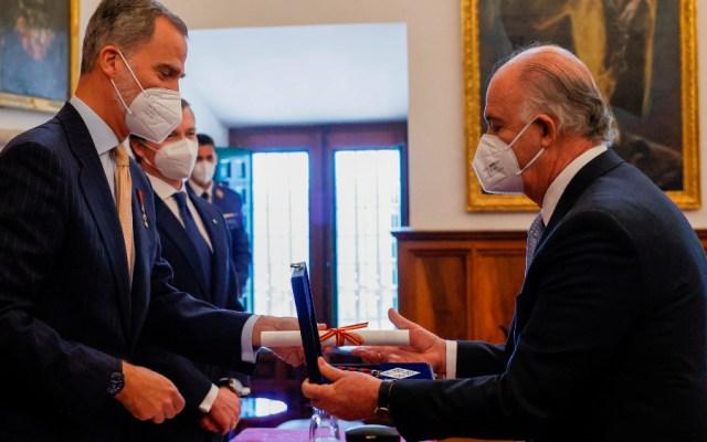 Enrique Krauze recibe el III Premio de Historia Órdenes Españolas - Enrique Krauze Felipe VI