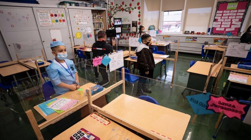 Estudiantes y maestros vacunados en EE.UU. no necesitarán cubrebocas - Estudiantes y profesores vacunados en Estados Unidos no necesitarán usar cubrebocas. Foto de EFE