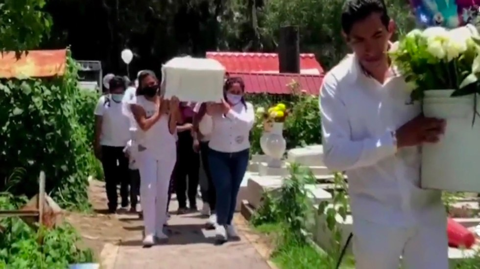 Dan último adiós a niña de cuatro años hallada muerta en CDMX - Funeral de Isabel, niña de 4 años. Captura de pantalla
