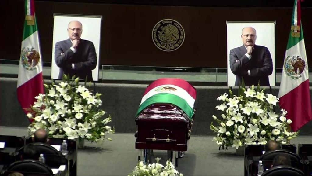 #Video Cámara de Diputados realiza homenaje de cuerpo presente a René Juárez Cisneros - Homenaje luctuoso a René Juárez Cisneros en Cámara de Diputados
