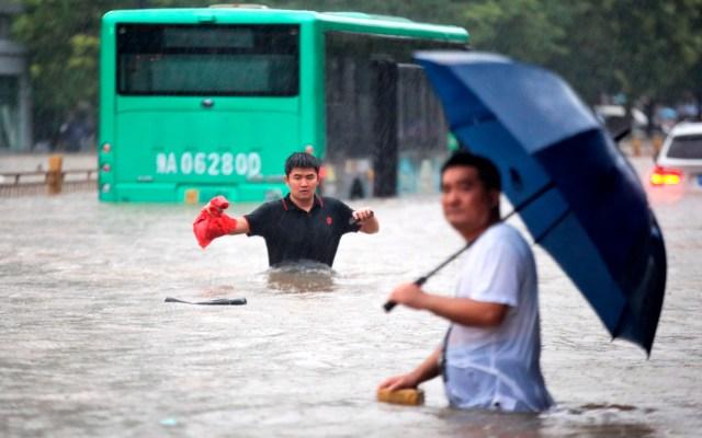 #Video Inundaciones atrapan a usuarios del Metro en China - Inundación en la provincia china de Zhengzhou. Foto de EFE