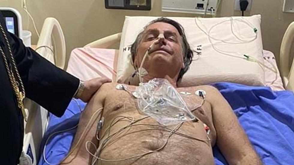 Bolsonaro recibe 'tratamiento conservador' para obstrucción intestinal - Jair Bolsonaro en hospital por obstrucción intestinal. Foto de @jairbolsonaro