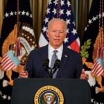 Biden exige vacunarse a los trabajadores del Gobierno ante el auge de casos - Biden golpea a monopolios para mejorar salarios y precios. Foto de EFE