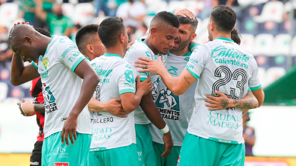 León obtiene su primer triunfo en el Apertura 2021 - León Esmeraldas