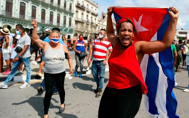 HRW denuncia represión brutal y juicios falsos en Cuba tras protestas del 11-J - Manifestación en La Habana, Cuba. Foto de EFE
