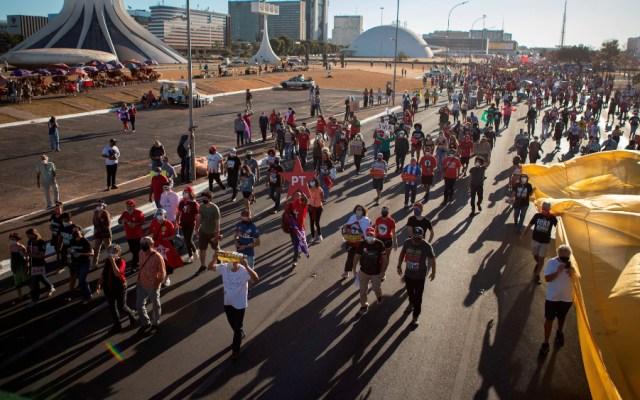 Brasil vuelve masivamente a las calles para exigir destitución de Bolsonaro - protestas Brasil Bolsonaro destitución