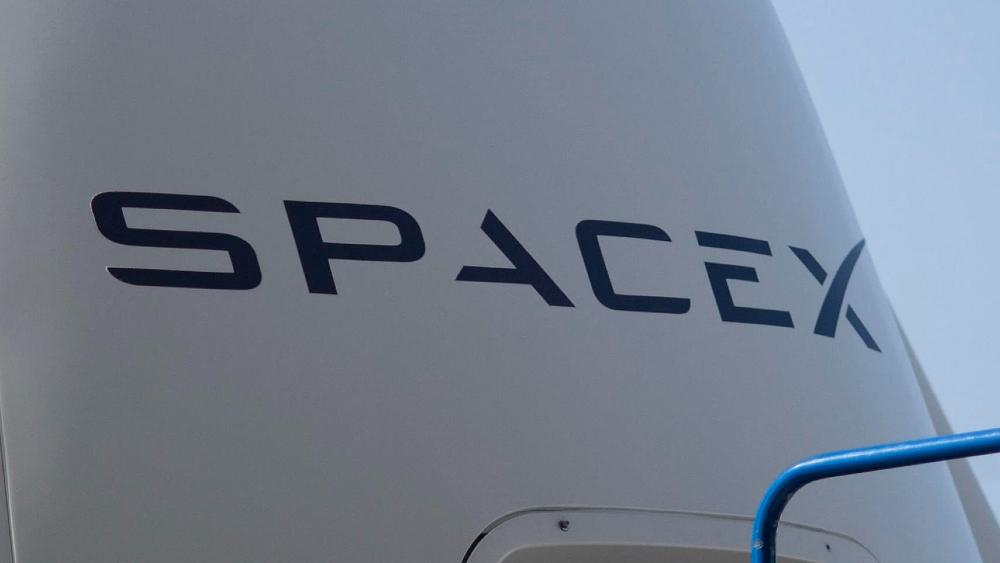 Cápsula tripulada de SpaceX es trasladada a otro puerto de la EEI - SpaceX
