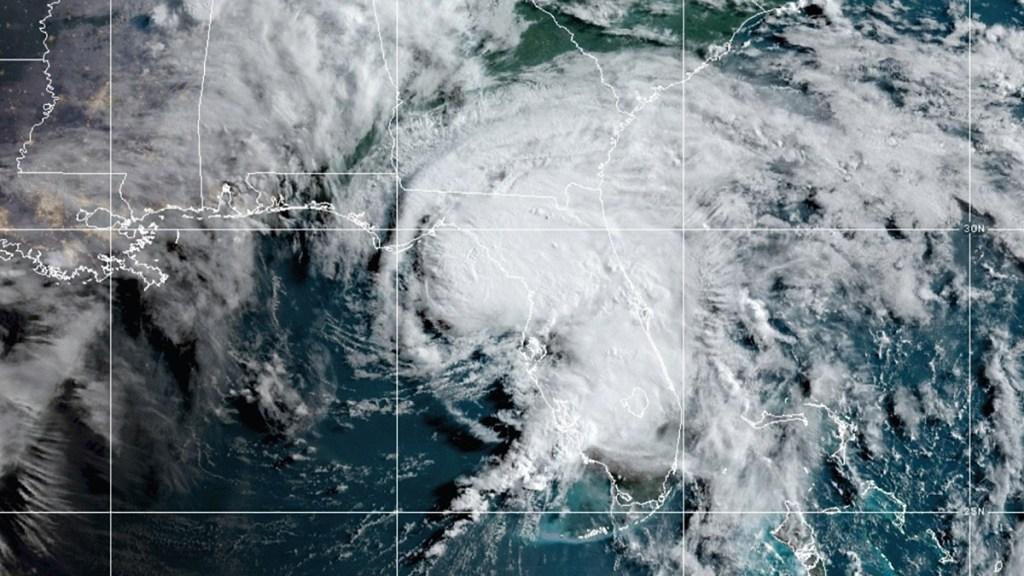 Elsa se degrada a tormenta tropical antes de tocar tierra en Florida - Tormenta tropical Elsa. Foto de NOAA / GOES