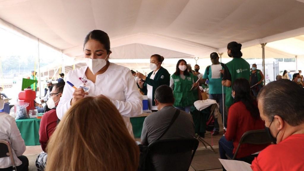 Próxima semana arranca vacunación en adultos de 18 a 29 años en seis alcaldías de la Ciudad de México - Iniciará vacunación de 30 a 39 años en Iztapalapa e Iztacalco. Foto de Twitter Claudia Sheinbaum