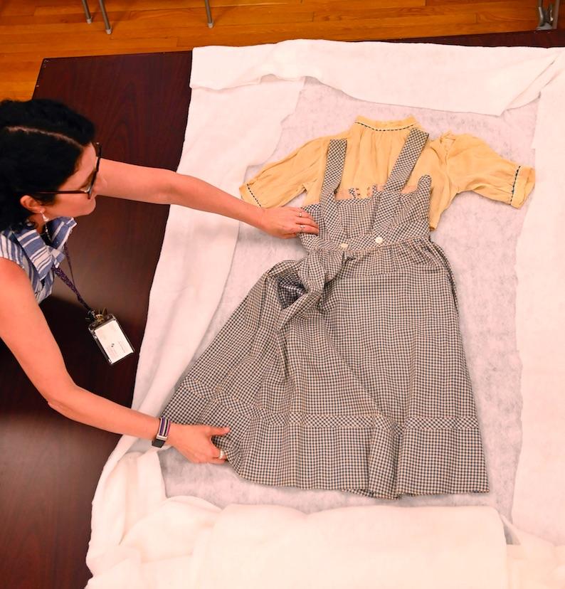 Encuentran un vestido de Dorothy de 'The Wizard of Oz'. Foto de EFE