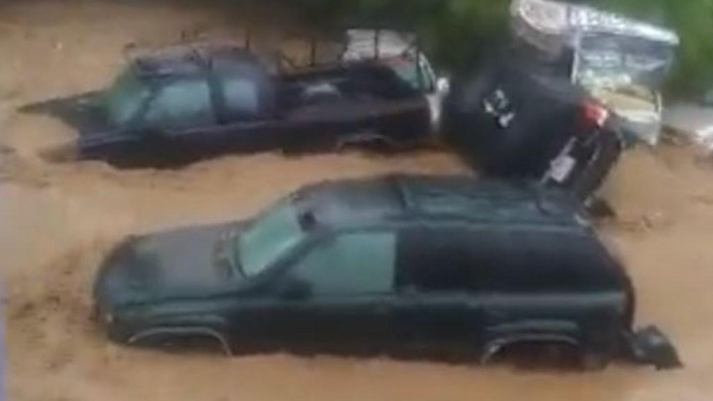 #Video Un muerto y cuantiosos daños por tormenta en Nogales, Sonora - Inundación. Foto tomada de video