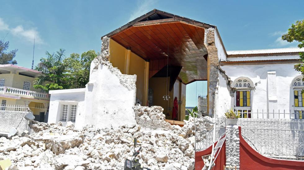 Van 724 muertos por sismo en Haití, uno de los más letales de AL - terremoto en haití