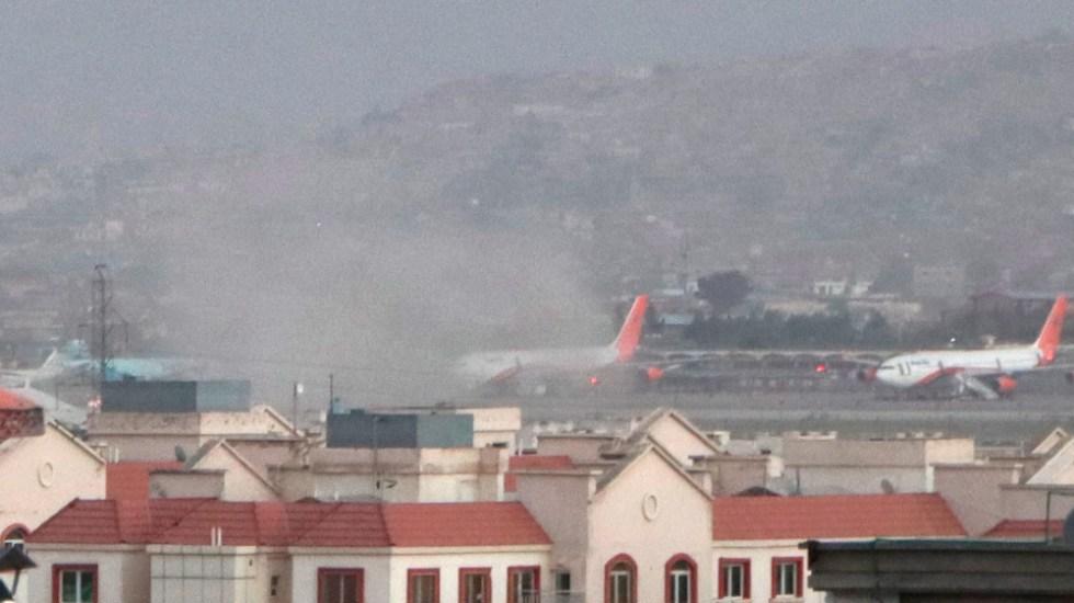 Al menos 15 muertos tras dos atentados junto al aeropuerto de Kabul - aeropuerto Kabul Afganistán explosión