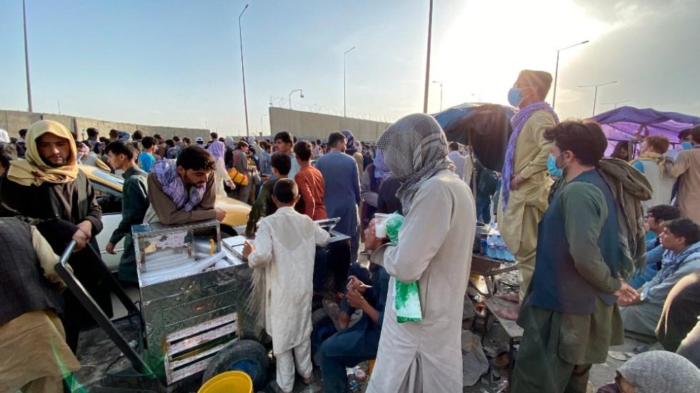 OMS alerta que solo tiene material médico para una semana en Afganistán - Afganistán Kabul aeropuerto