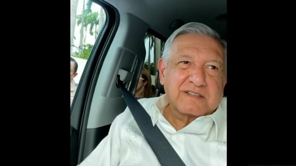"""Inédita 'mañanera' en Chiapas. CNTE retiene al presidente; """"no voy a ceder a chantajes"""", dice AMLO desde camioneta - AMLO López Obrador presidente retenido Chiapas"""