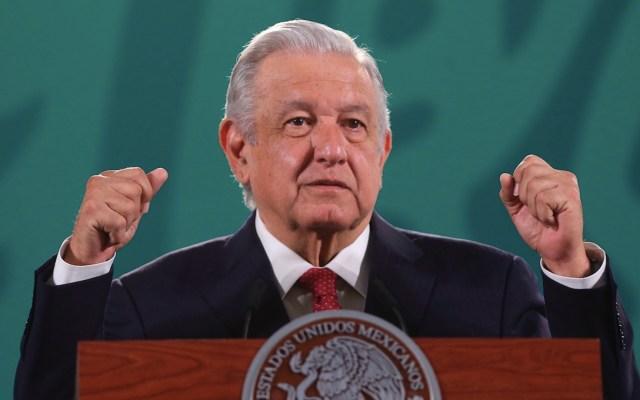 """HRW compara a AMLO con Cantinflas por """"callar"""" ante 'Permanecer en México' - HRW compara a AMLO con Cantinflas por"""